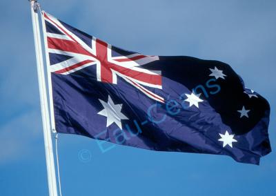 """Le pavillon australien orné de"""" l'Union Jack"""" (drapeau britannique) en haut à gauche"""