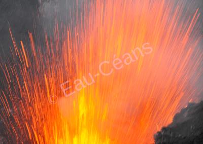 Volcan Yasur sur l'île Tanna en activité (photo A.-M. Lejeune)