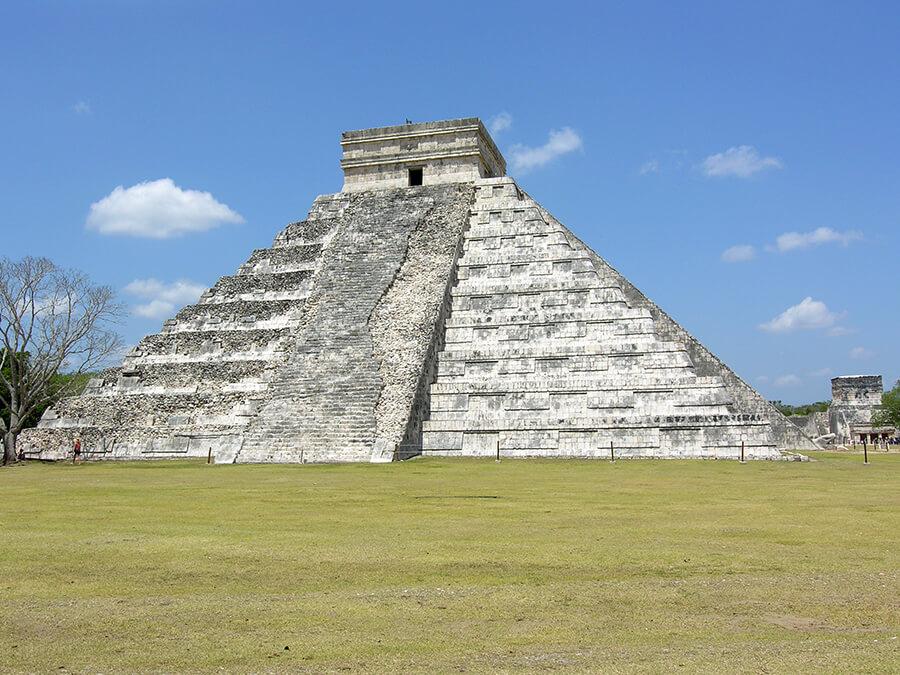 Sur les traces des Mayas